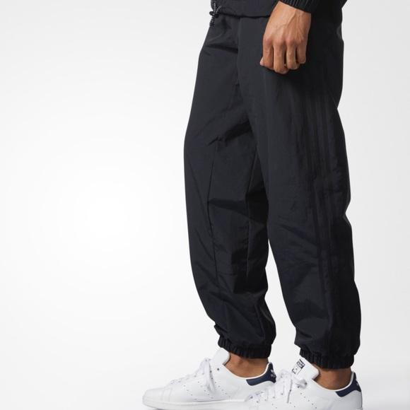 ??Brand New Adidas Originals Wind Pants NWT